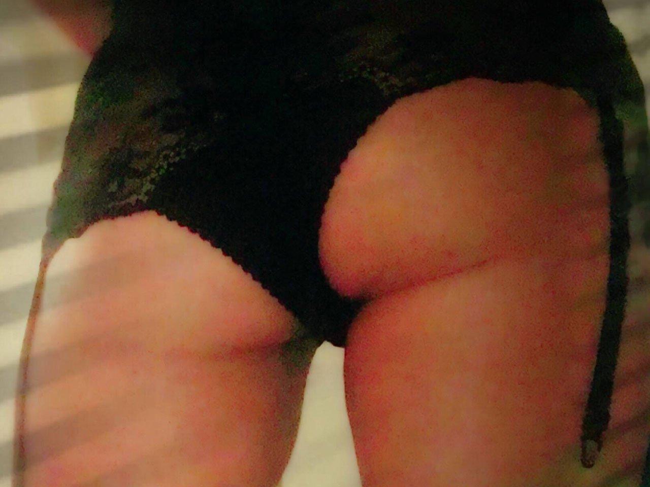Sonia is a regular at CH, 30's, Dark Hair DD busted, DD bust, hot body. | Club Hallam